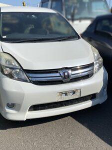 川崎市のトヨタアイシスのスマートキーの鍵の作成・外車、イモビライザーキーもおまかせ下さい