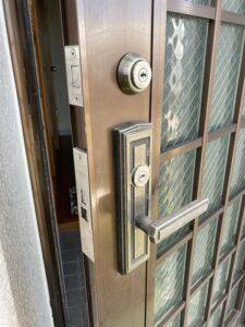 武蔵村山市にてYKKアルミサッシ錠(TESP・LZSP)の交換|神奈川、東京の鍵交換、錠前交換、デジタルロック、カードロック、電子ロックの鍵屋